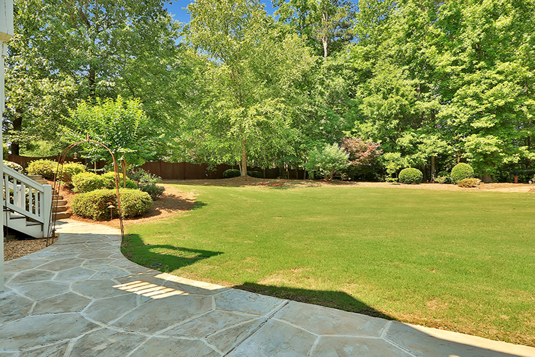 Additional photo for property listing at What A Gem! Truly Custom Highgrove Home 325 Highgrove Drive Fayetteville, 조지아 30215 미국