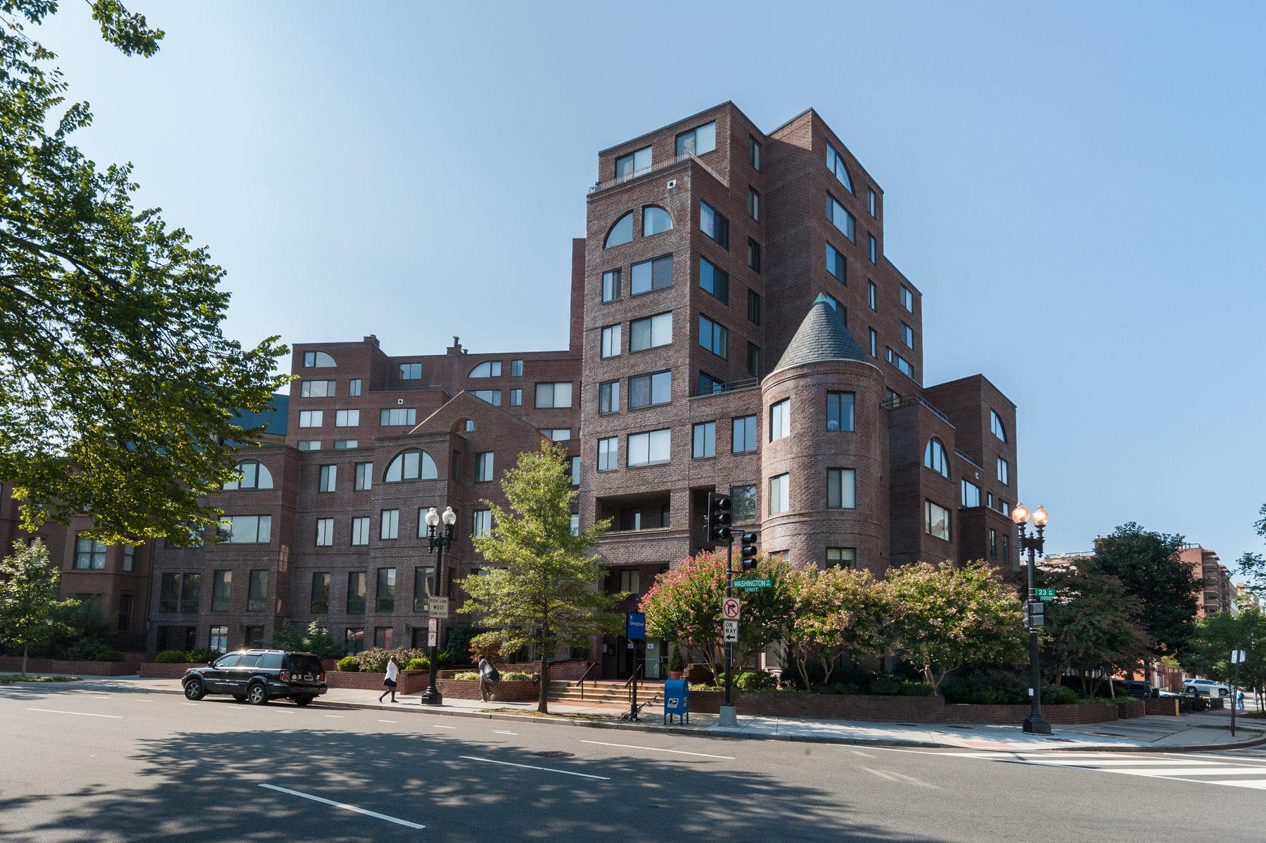 Кооперативная квартира для того Продажа на 3 Washington Circle Nw 1001, Washington Washington, Округ Колумбия 20037 Соединенные Штаты