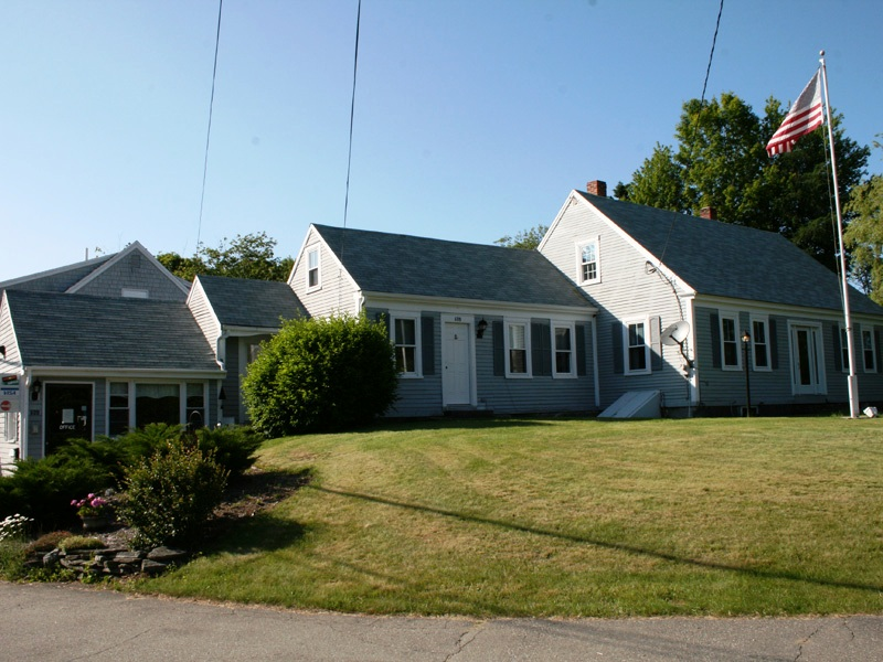 Bed and Breakfast for Sale at White Anchor Inn 609 Wiscasset Road Boothbay, Maine 04537 United States