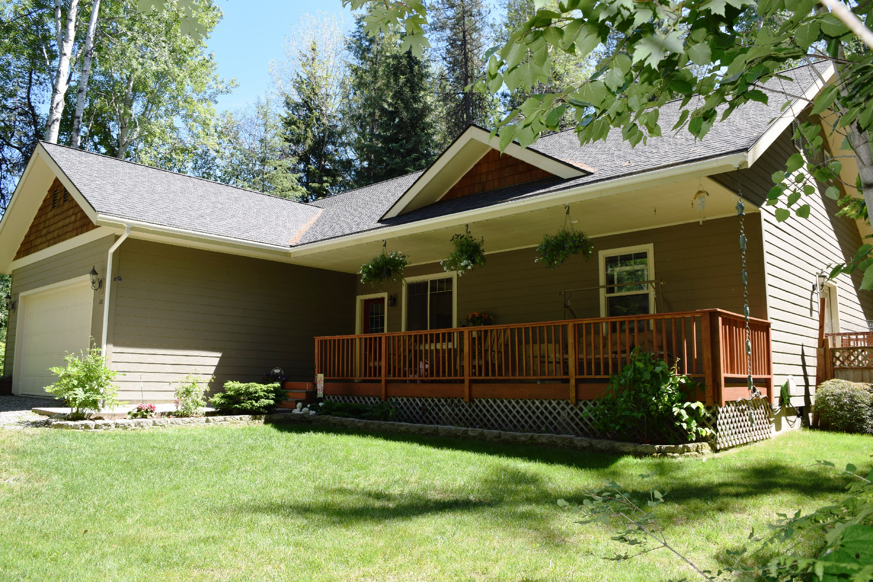 Single Family Home for Sale at Newer, custom single level home 218 Colburn Culver Rd Sandpoint, Idaho, 83864 United States