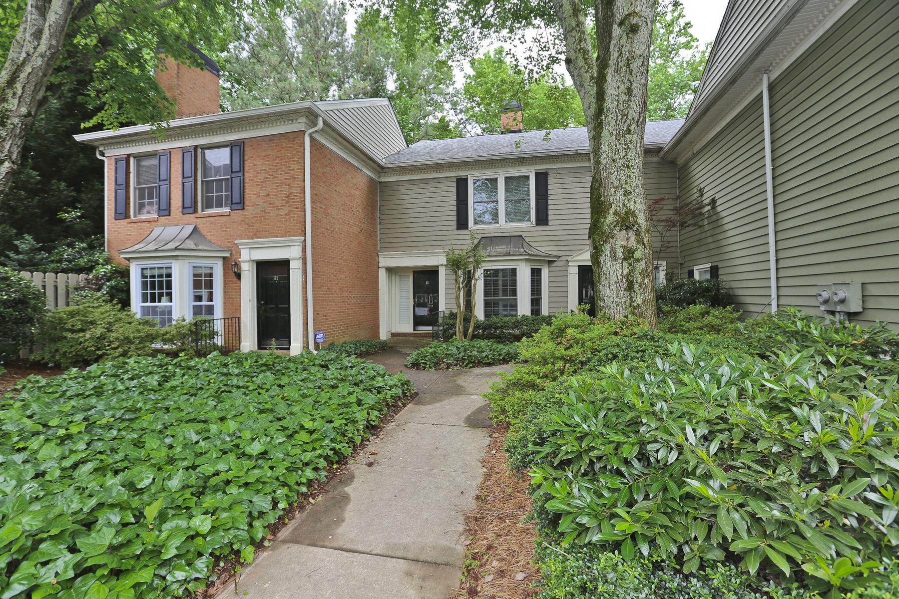 Casa Unifamiliar Adosada por un Venta en Location, Location, Location 88 Mount Vernon Circle Sandy Springs, Georgia, 30338 Estados Unidos