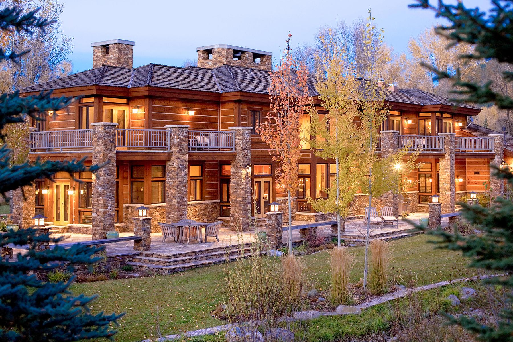 Casa Unifamiliar por un Venta en Privacy & Elegance in John Dodge 3615 N. Goldeneye Rd. Wilson, Wyoming, 83014 Estados Unidos