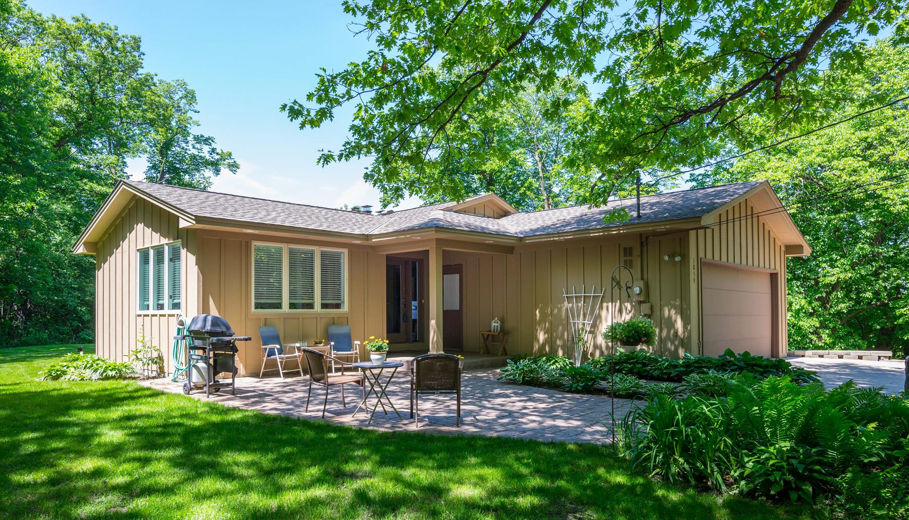 Single Family Home for Sale at 3859 Red Cedar Point Road Chanhassen, Minnesota 55331 United States