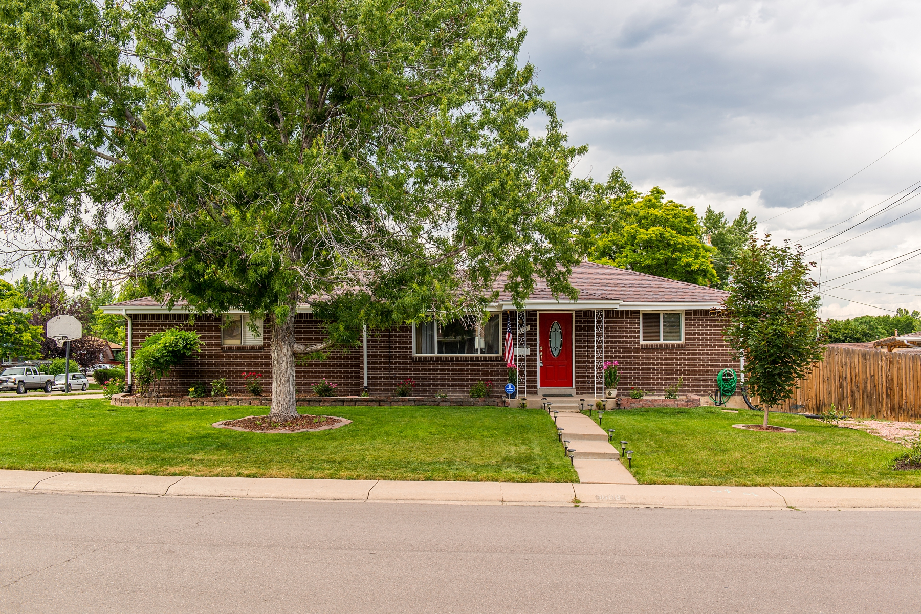 Single Family Home for Sale at Charming ranch style home in a wonderful Lakewood neighborhood! 1668 S Brentwood St Lakewood, Colorado 80232 United States