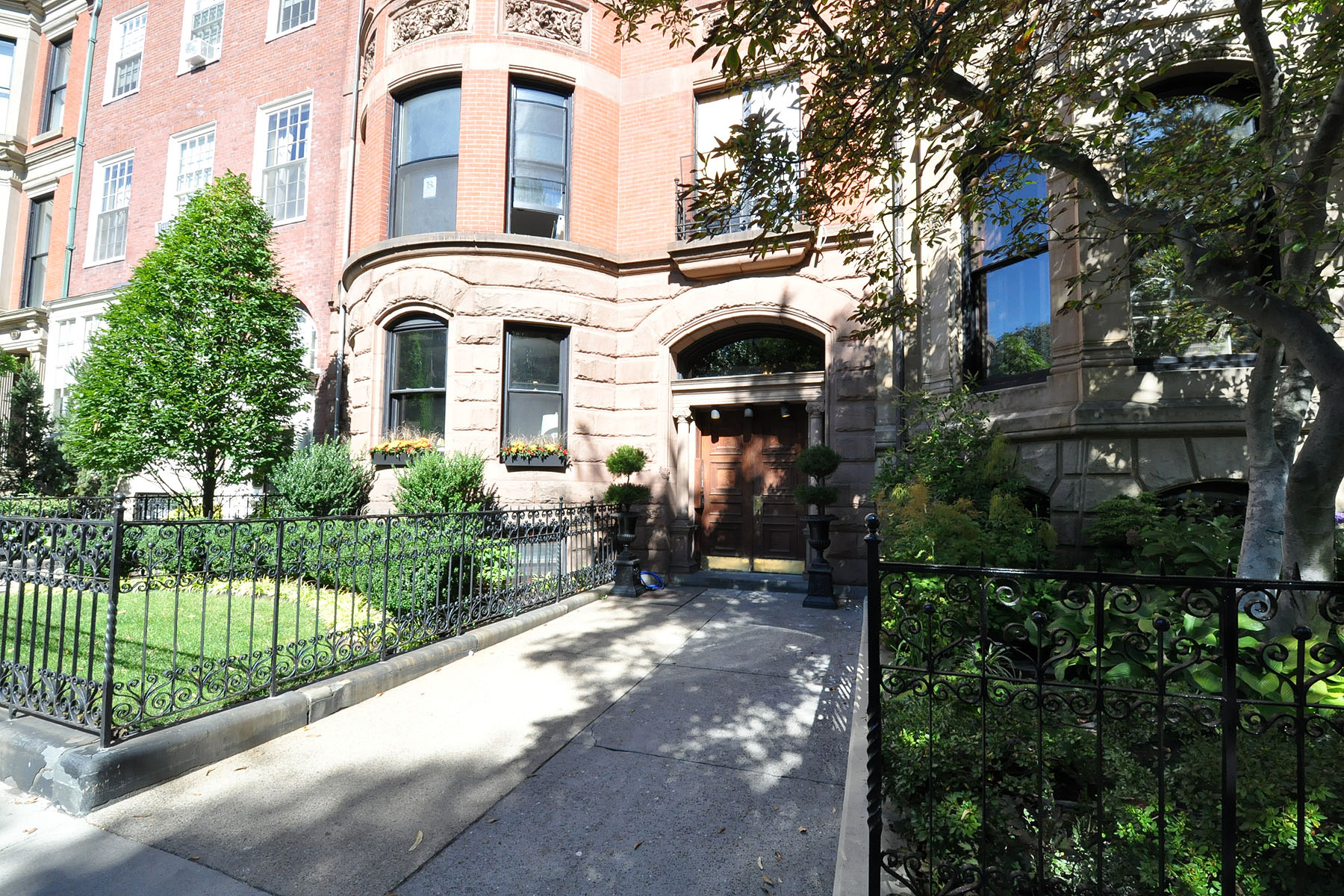 Condominium for Sale at Rare Opportunity 167 Commonwealth Ave Unit 1 Back Bay, Boston, Massachusetts 02116 United States