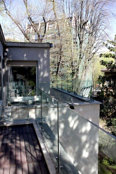 Additional photo for property listing at Villa entirely refurbished with garden Via Monte Rosa Milano, Milan 20148 Italy