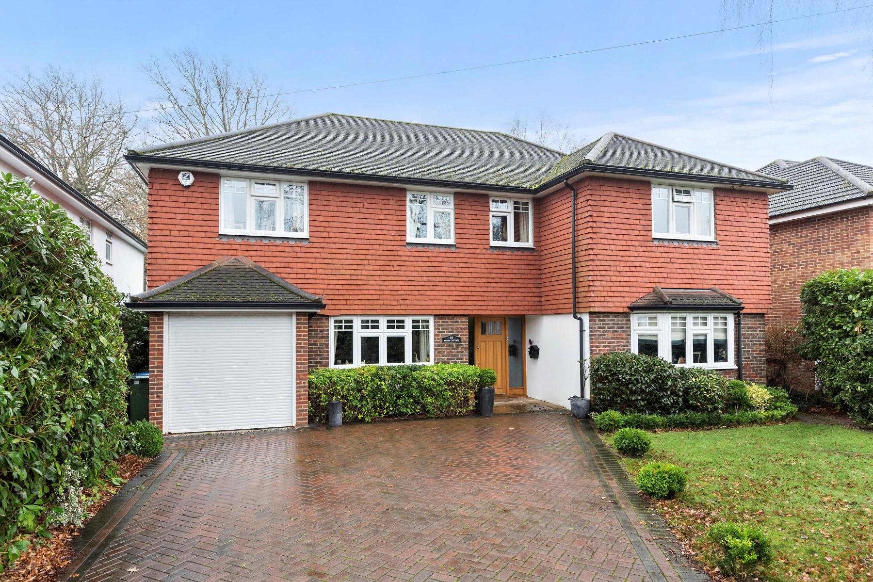 sales property at Walton-on-Thames