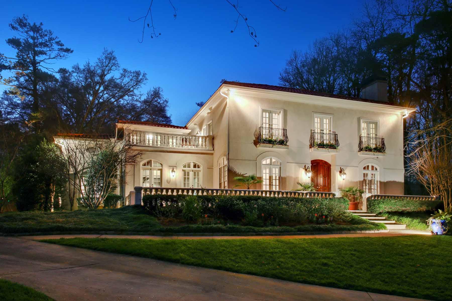 Casa para uma família para Venda às Mediterranean meets Brookhaven 4350 Davidson Avenue NE Brookhaven, Atlanta, Geórgia 30319 Estados Unidos