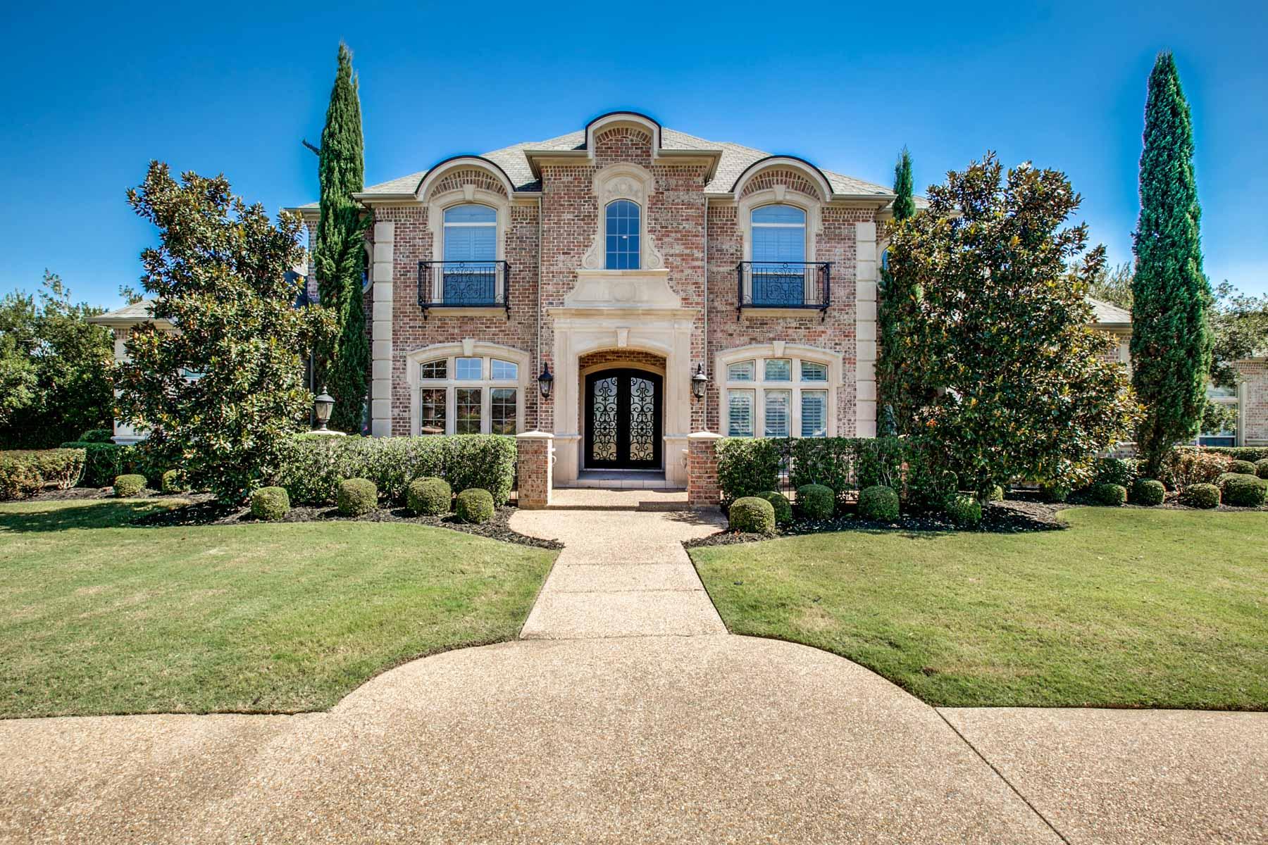 Nhà ở một gia đình vì Bán tại Classic French Chateau 3605 Blossom Park Ct Arlington, Texas, 76016 Hoa Kỳ