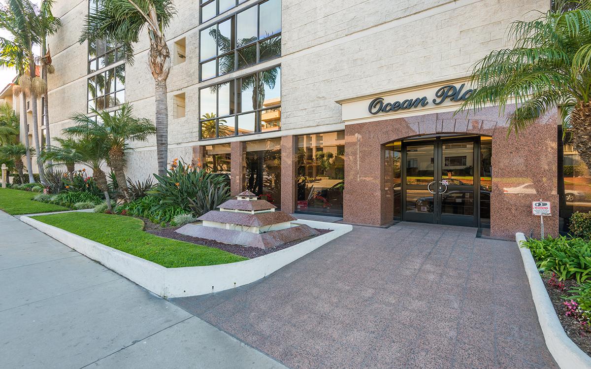 Condominium for Sale at 531 Esplanade #206 Redondo Beach, California 90277 United States