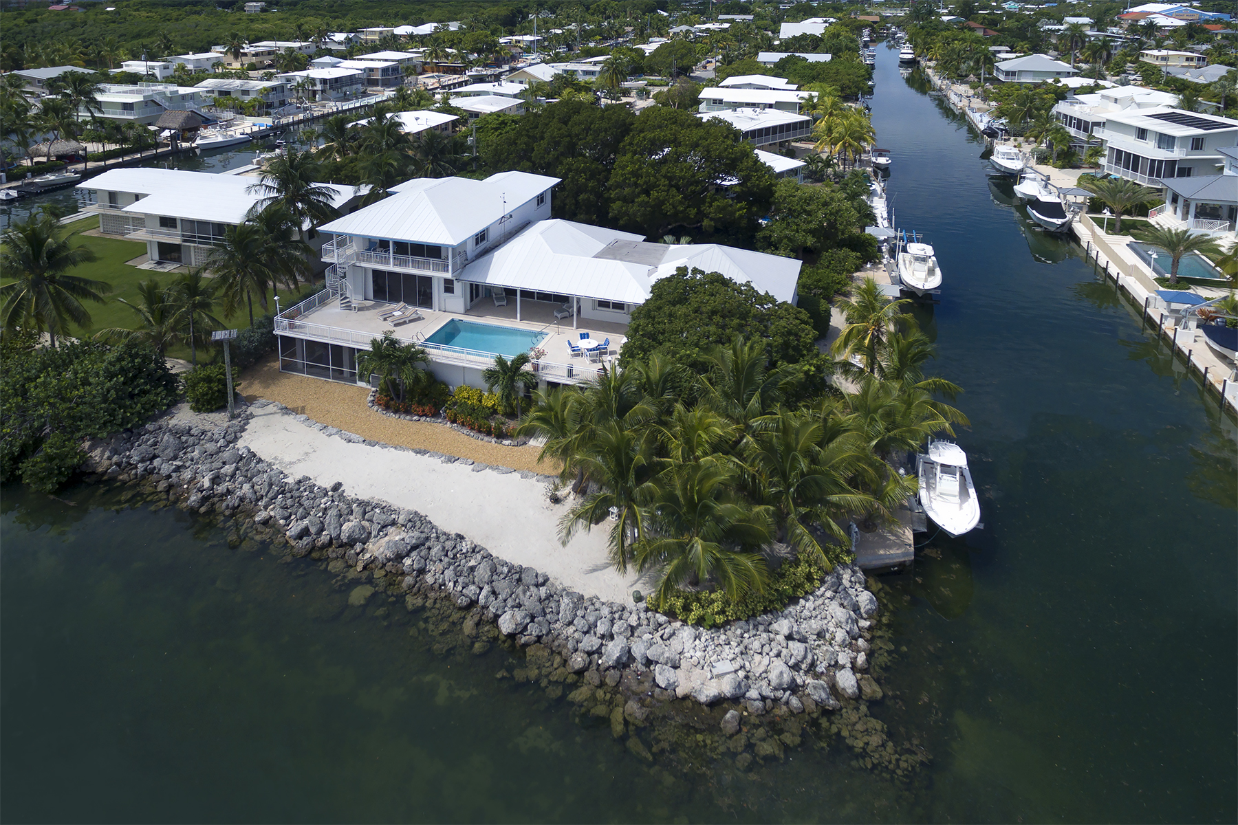 Additional photo for property listing at Exclusive Oceanfront Location 213 Plantation Drive Plantation Key, Florida 33070 Amerika Birleşik Devletleri