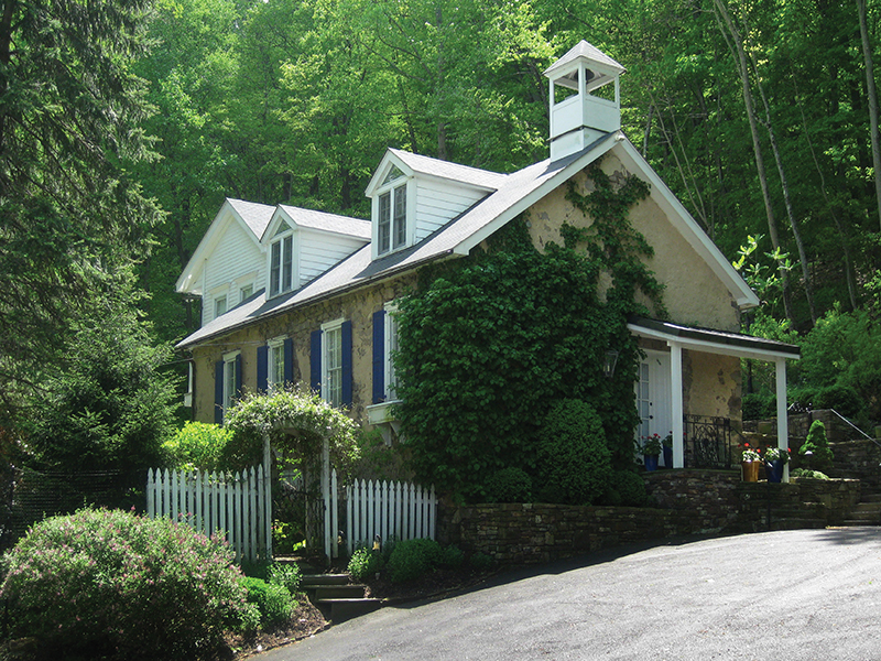 Single Family Home for Sale at Burleigh Cottage 3049 River Road New Hope, Pennsylvania 18938 United States