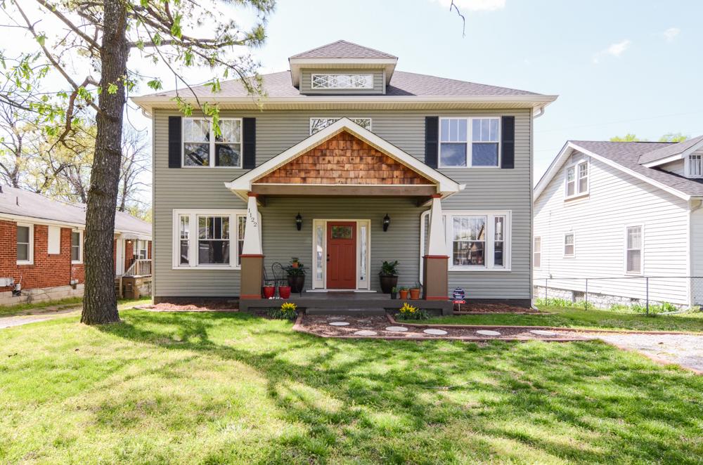 獨棟家庭住宅 為 出售 在 Renovated Spacious Inglewood Home 1122 Kirkland Avenue Nashville, 田納西州, 37216 美國
