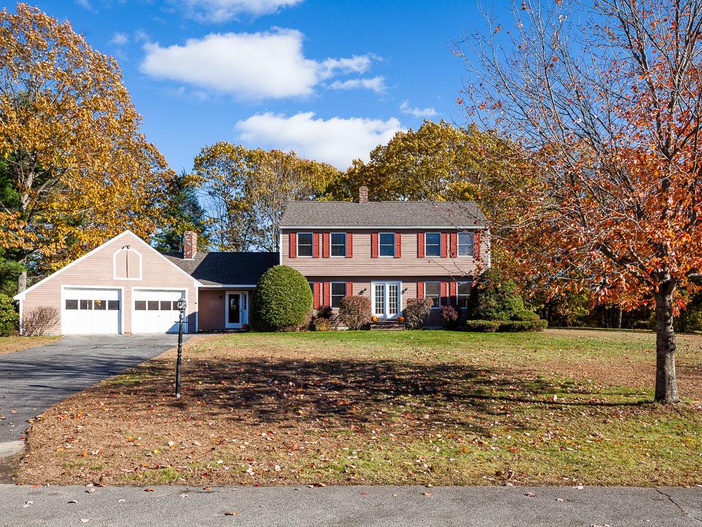 Maison unifamiliale pour l Vente à 14 Hillcrest Street Hallowell, Maine 04347 États-Unis