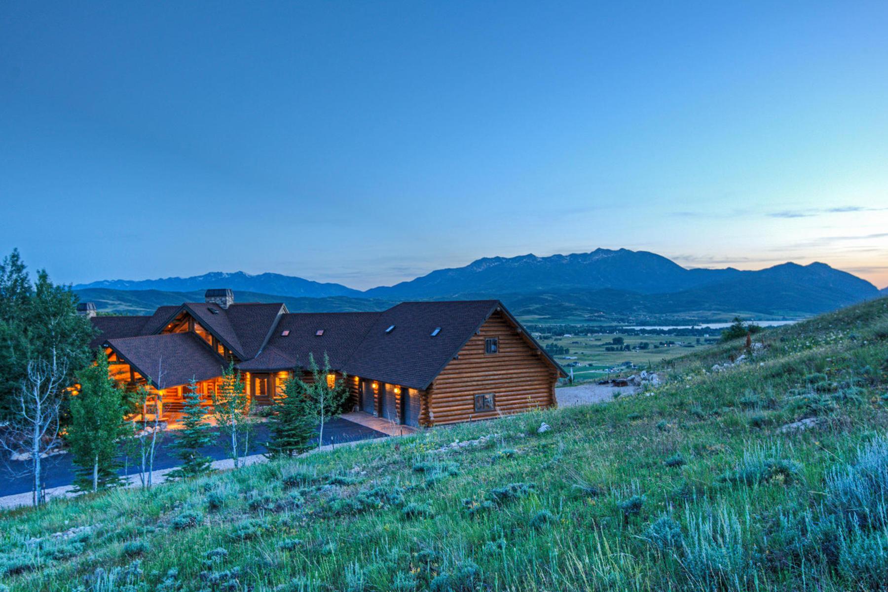 独户住宅 为 销售 在 Breathtaking views from luxury Neville log home 9542 Kelley Dr 亨茨维尔, 犹他州 84317 美国