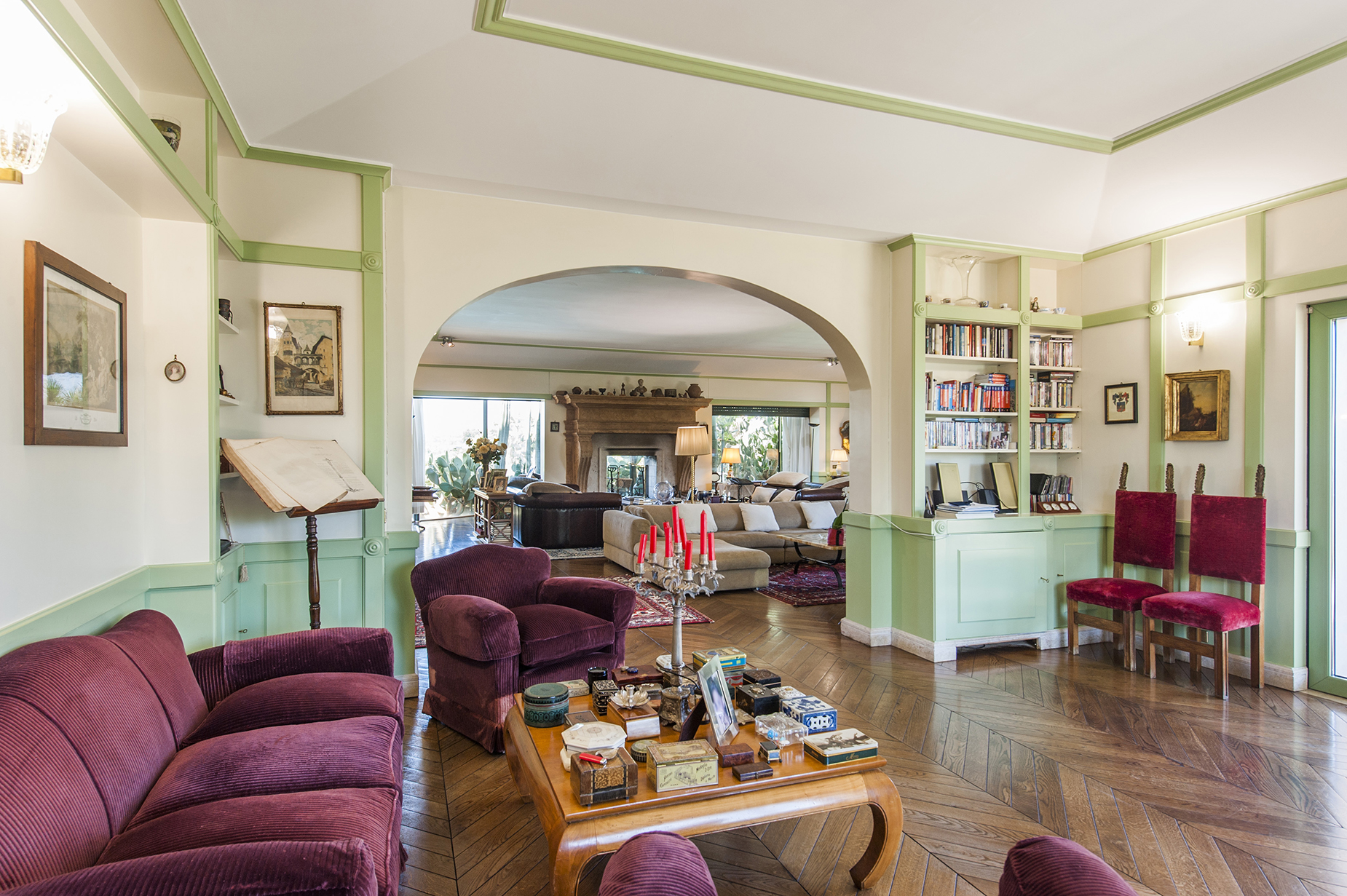 Additional photo for property listing at Wonderful Villa with pool in the northern site of the city Via di Valle Vescovo Rome, Roma 00189 Italia