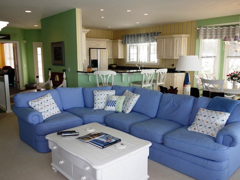 共管物業 為 出售 在 Lake Michigan View End Condominium 3708 Cliffs Drive Unit 105 Bay Harbor, 密歇根州 49770 美國