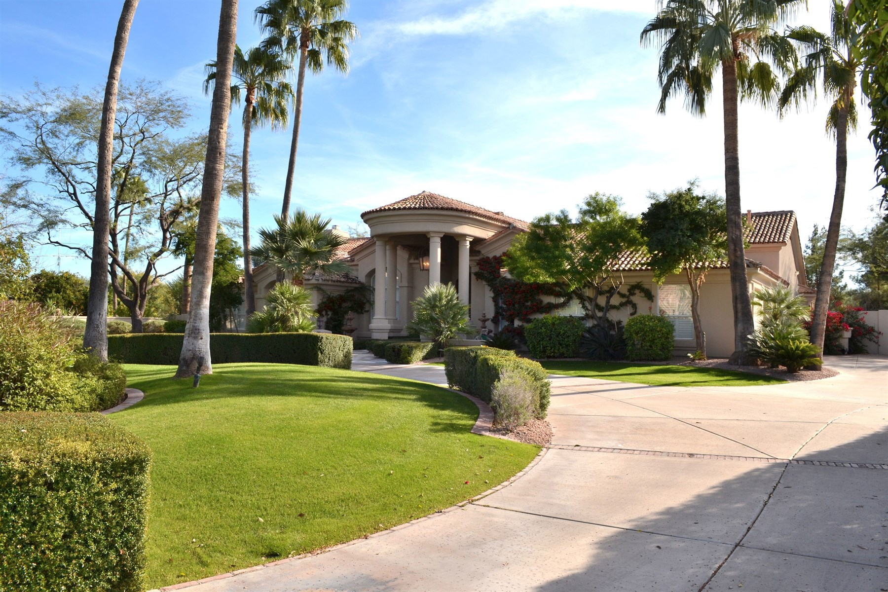 Moradia para Venda às Beautiful home is located in the heart of Paradise Valley. 6865 E Bronco Dr Paradise Valley, Arizona 85253 Estados Unidos