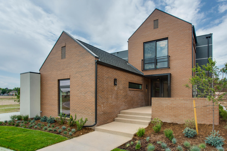 Casa Unifamiliar por un Venta en Sophisticated Modern Home In Lowry Boulevard 1 59 Magnolia Way Denver, Colorado, 80230 Estados Unidos