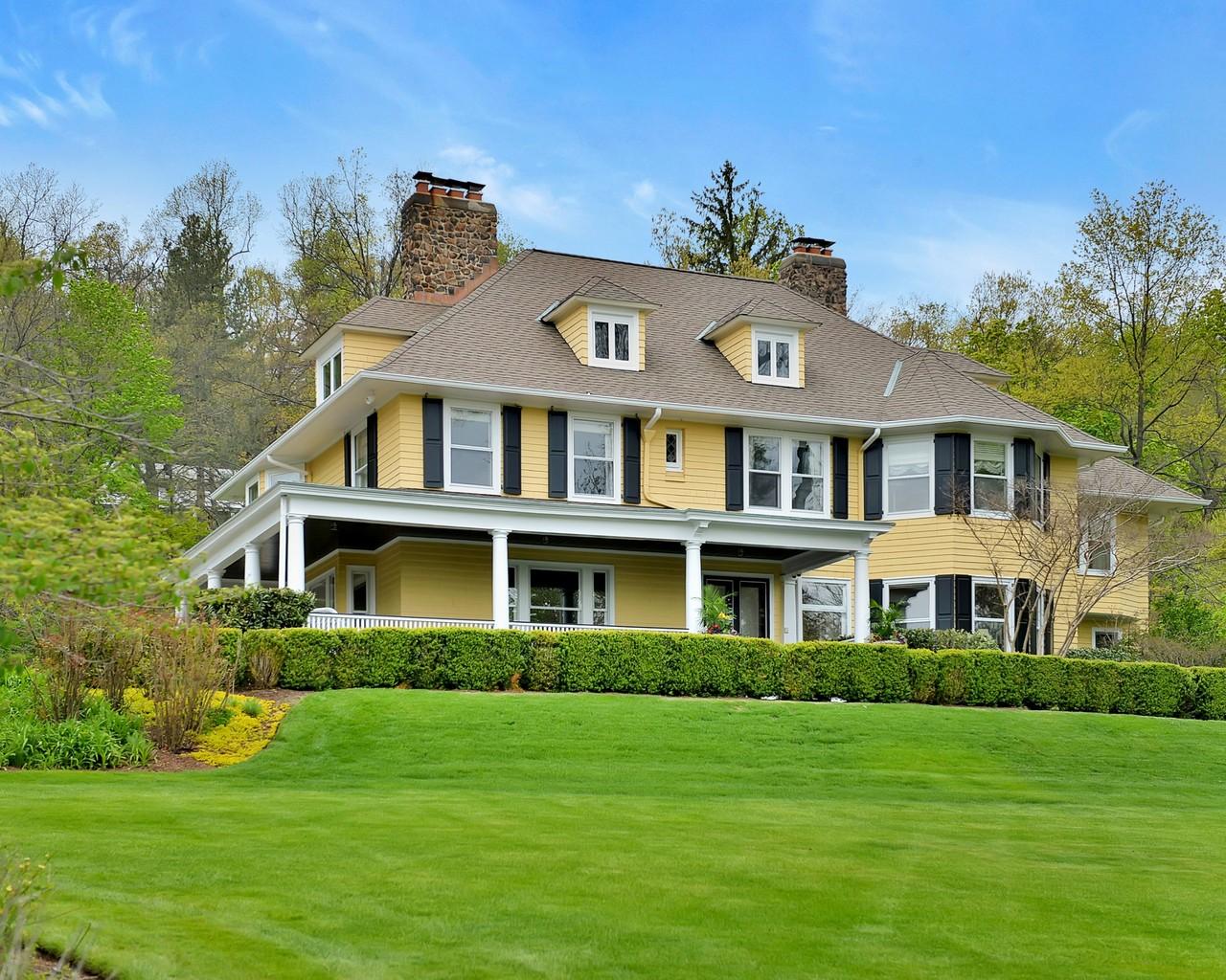 Maison unifamiliale pour l Vente à Edwardian Victorian 270 Upper Mountain Avenue Montclair, New Jersey, 07043 États-Unis