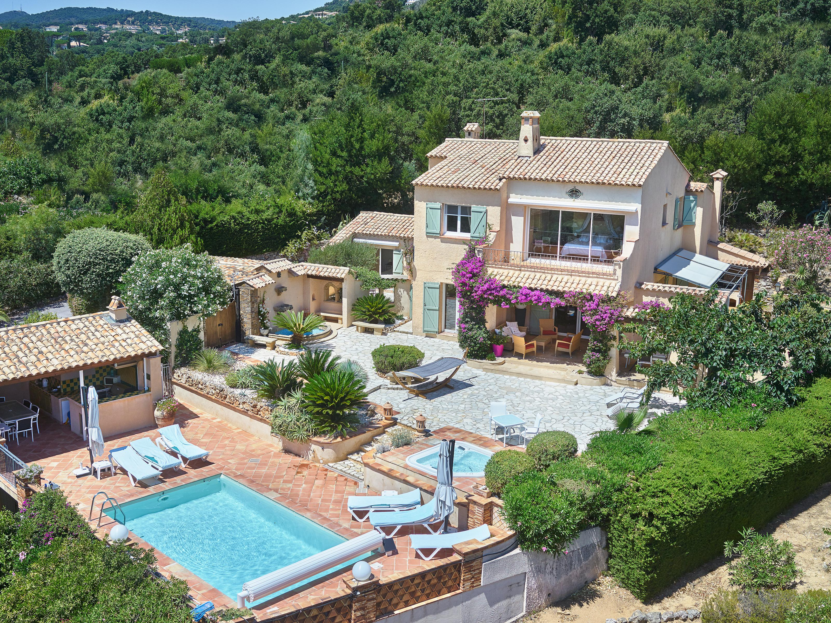 Single Family Home for Sale at Charming house for sale with beautiful views over the bay of Saint-Tropez Grimaud Grimaud, Provence-Alpes-Cote D'Azur 83310 France