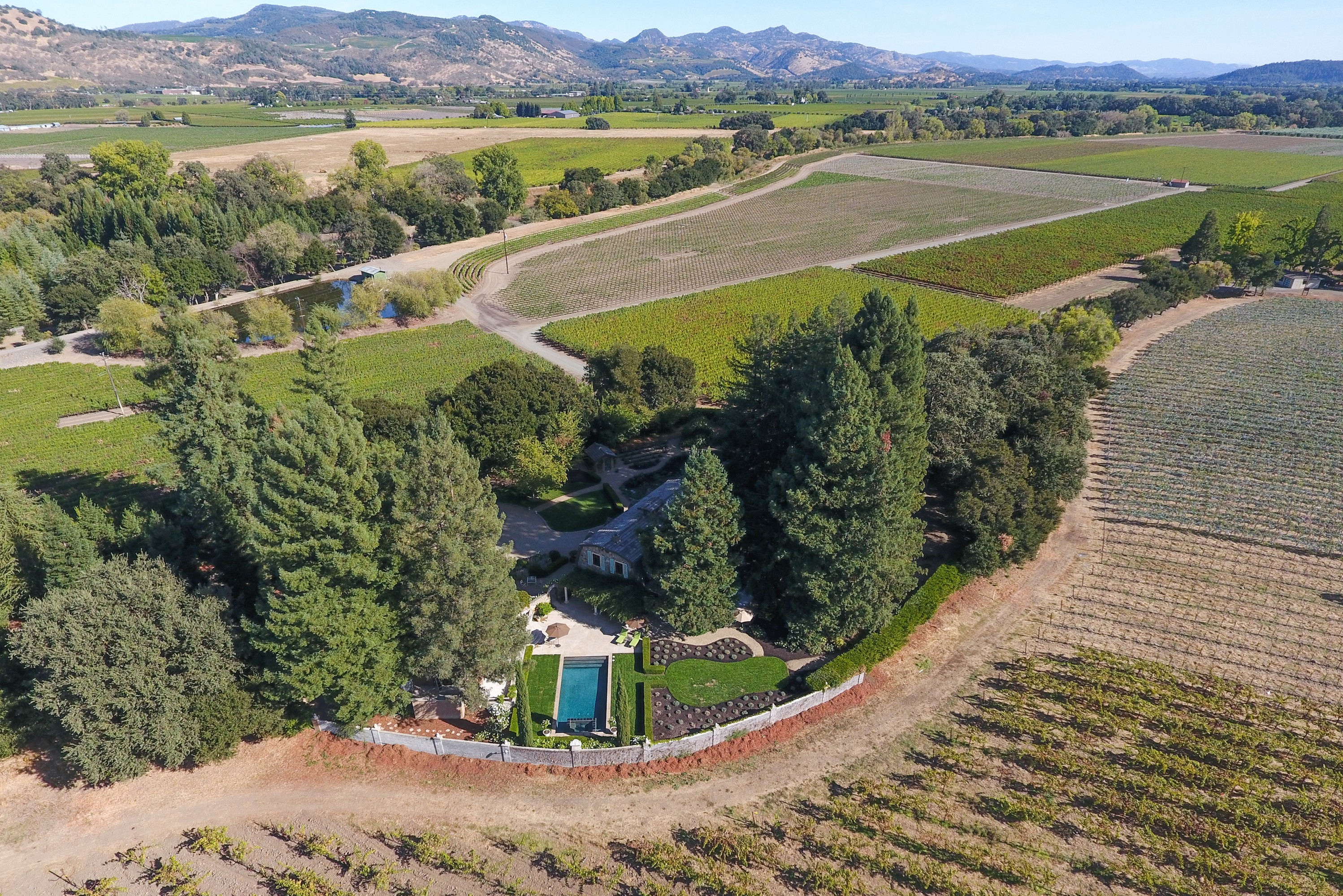 Vivienda unifamiliar por un Venta en Lagniappe Estate and Vineyards 999 Mee Lane St. Helena, California, 94574 Estados Unidos