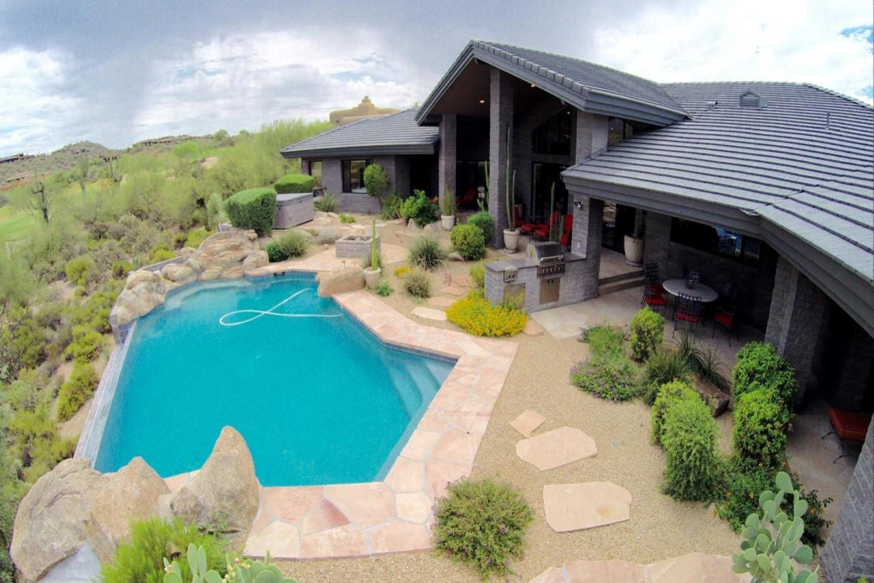 Moradia para Venda às Incredible splitface block contemporary with unobstructed golf course views. 9490 E RISING SUN DR Scottsdale, Arizona 85262 Estados Unidos