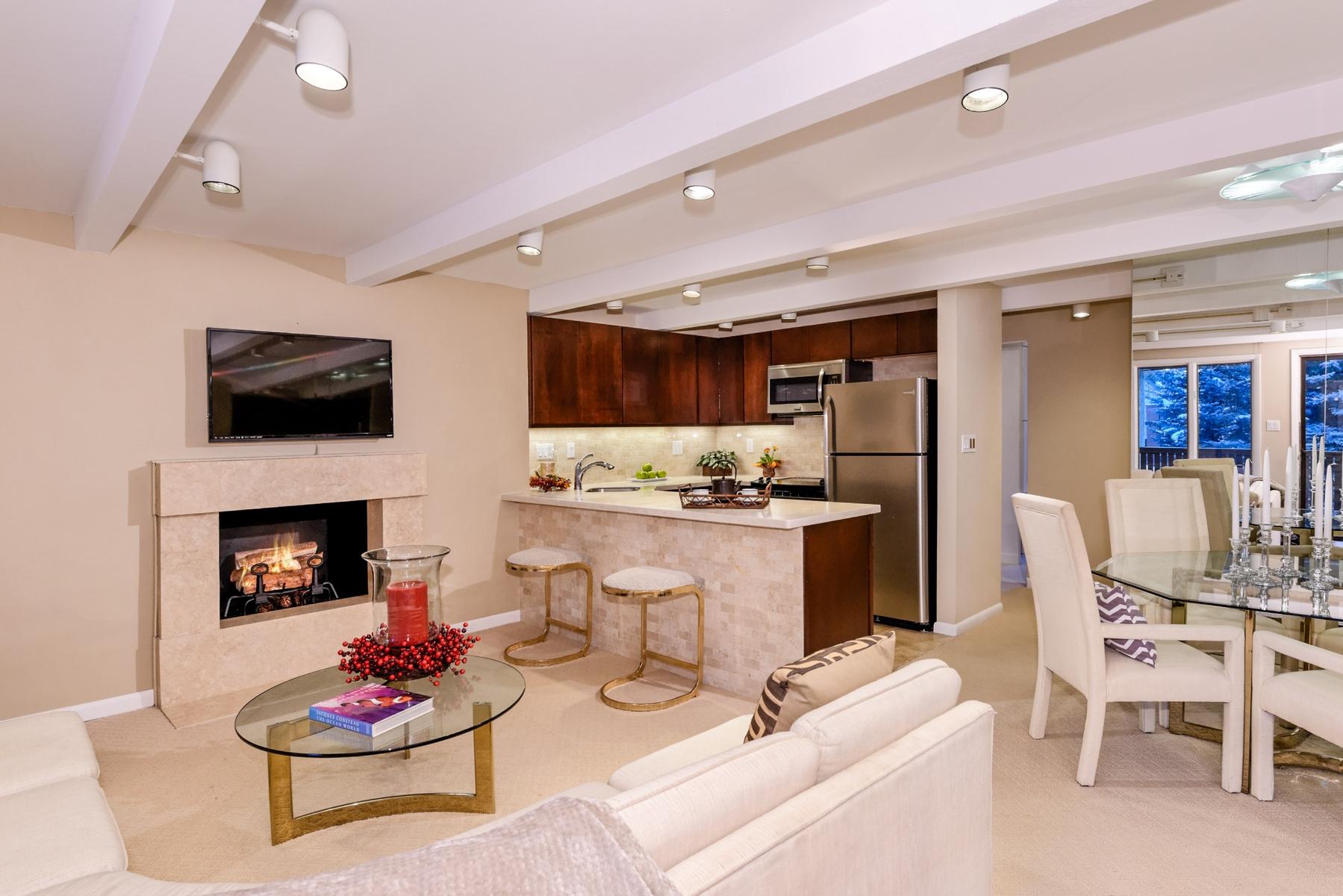 Nhà chung cư vì Bán tại Aspen Downtown Core Condo 601 S. West End 7 Aspen, Colorado 81611 Hoa Kỳ
