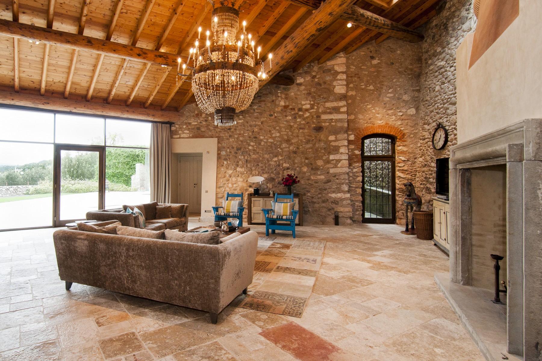 Additional photo for property listing at Wonderful property overlooking Lake Garda Bardolino Bardolino, Verona 37011 Italie
