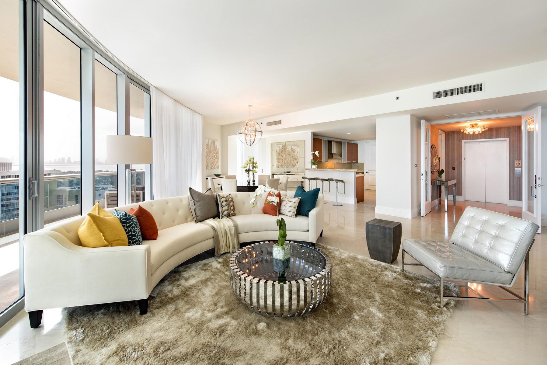 Eigentumswohnung für Verkauf beim 5959 Collins Ave #1802 Miami Beach, Florida 33140 Vereinigte Staaten