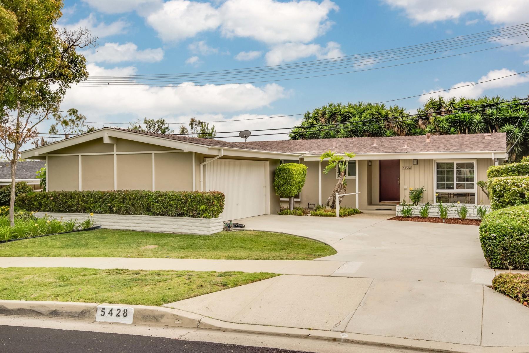 Vivienda unifamiliar por un Venta en 5428 Eau Claire Drive Rancho Palos Verdes, California 90275 Estados Unidos