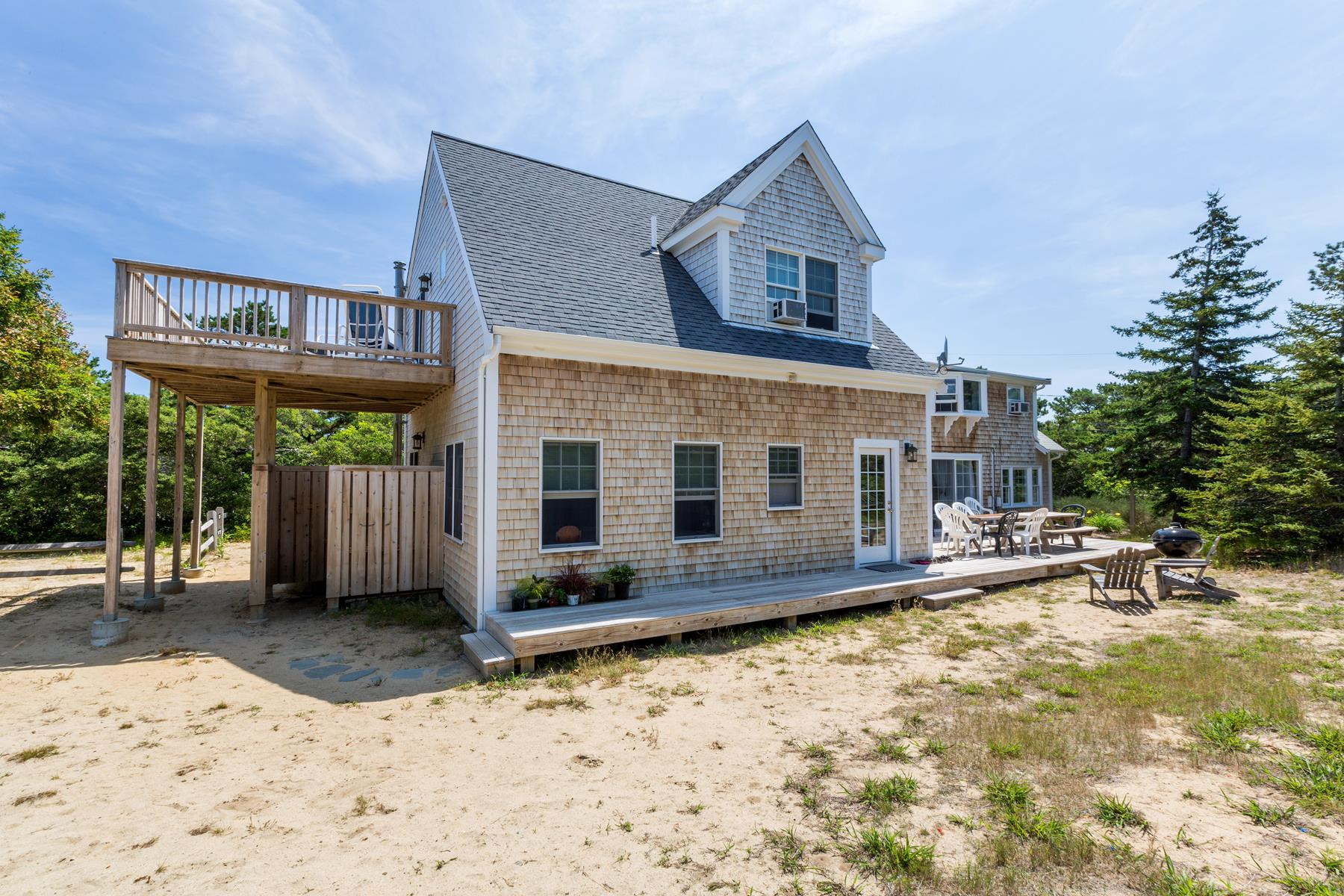 Property For Sale at Spacious Retreat with Ocean Views