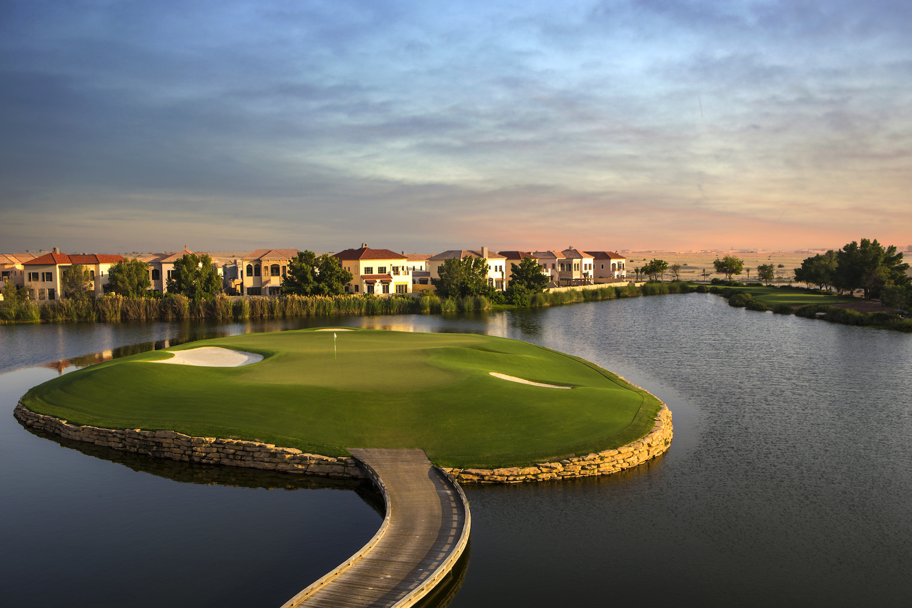 Moradia para Venda às Exclusive Villa with a 270° Golf Course View Dubai, Dubai Emirados Árabes Unidos
