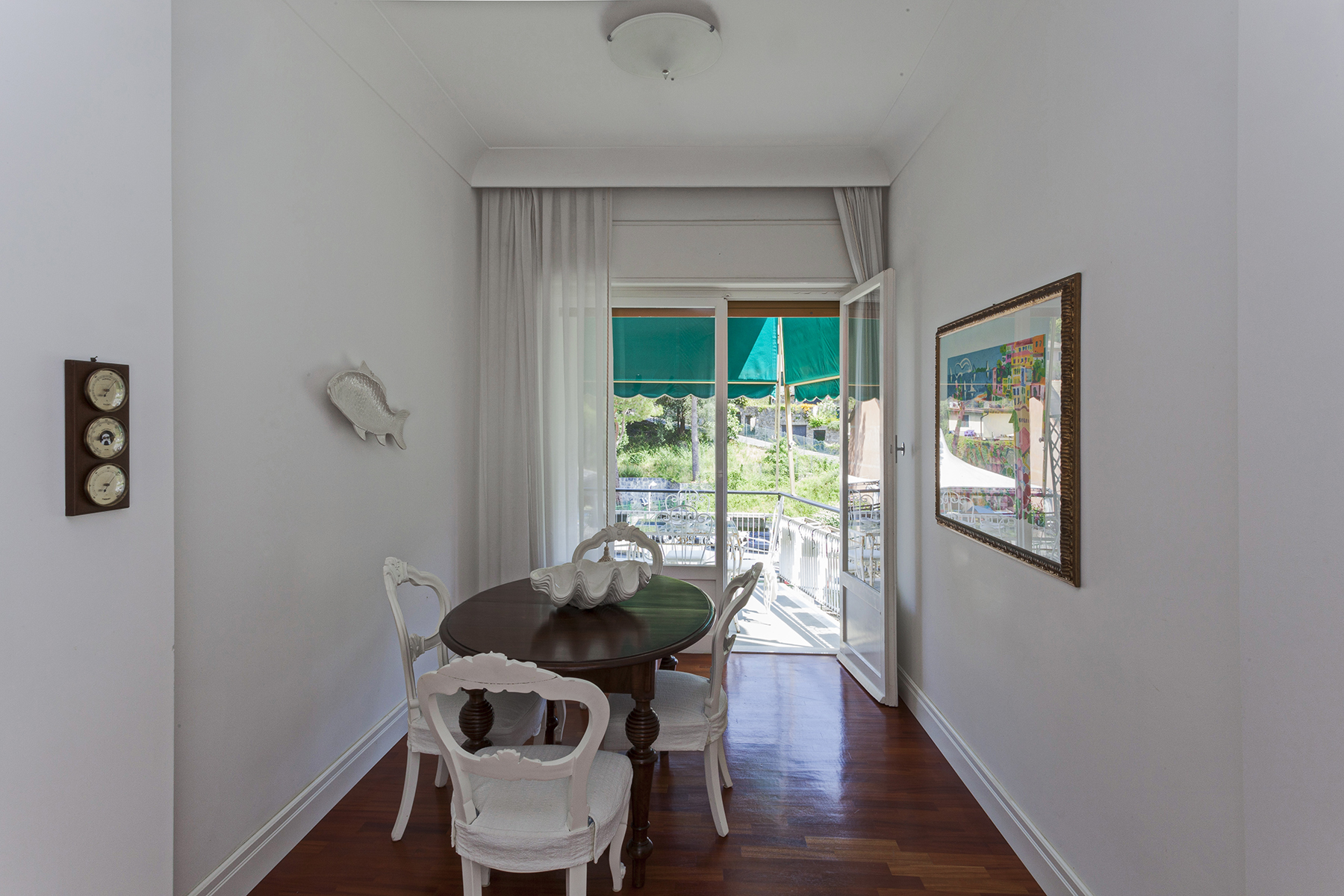 Additional photo for property listing at Elegant apartment recently renovated in the heart of Santa Margherita Via Madonnetta Santa Margherita Ligure, Genoa 16038 Italy