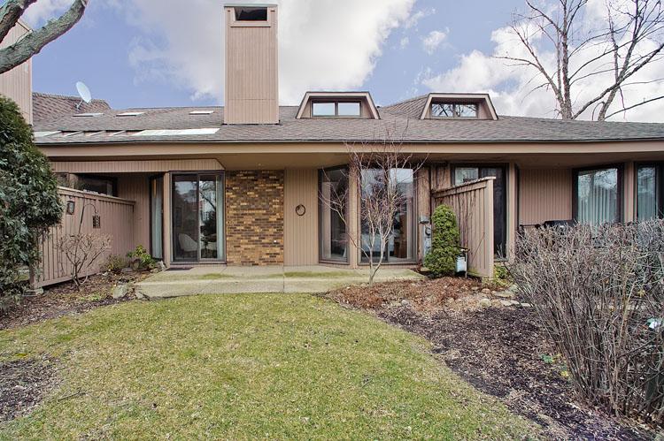 Maison unifamiliale pour l Vente à 1214 Indian Trail Hinsdale, Illinois, 60521 États-Unis
