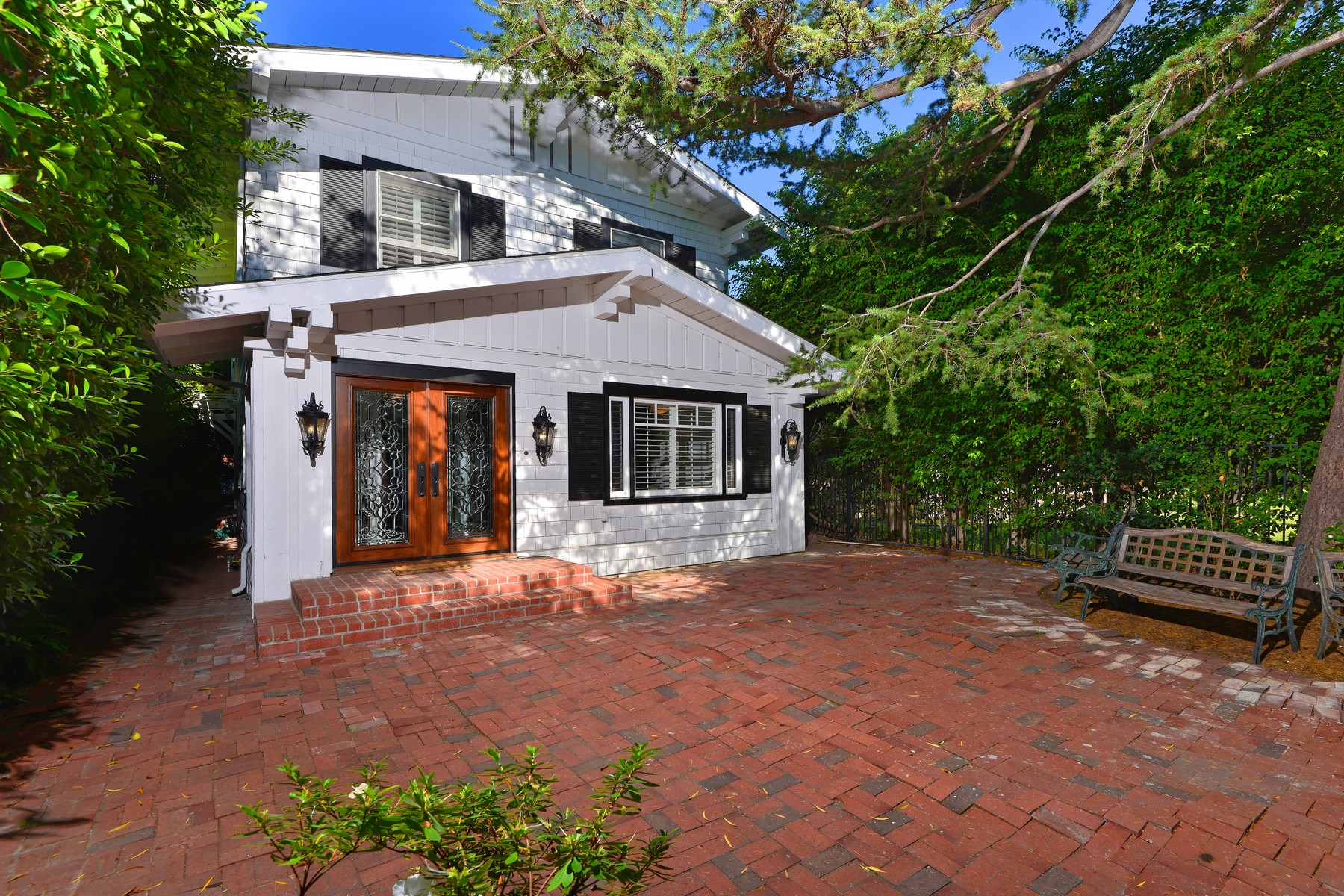 Maison unifamiliale pour l Vente à 4208 Arden Mission Hills, San Diego, Californie 92103 États-Unis