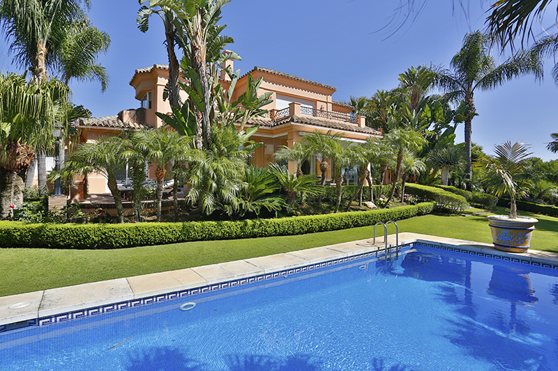 sales property at Wonderful Villa in Sotogrande Alto with sea views