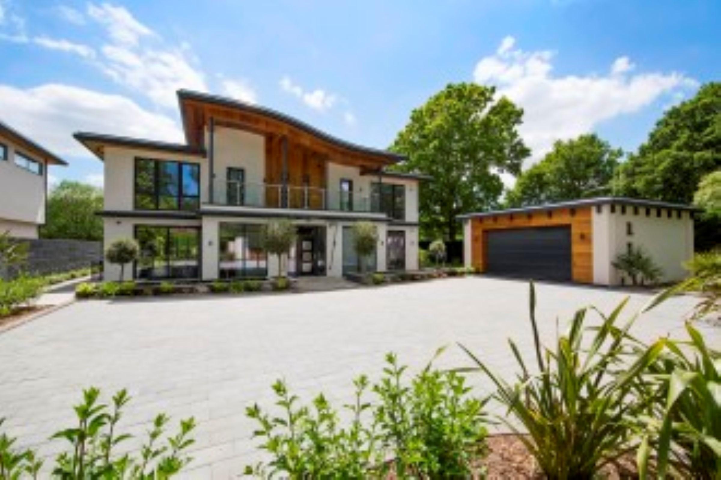 Частный односемейный дом для того Продажа на Kingswood Sandy Lane Kingswood, Англия, KT206NE Великобритания