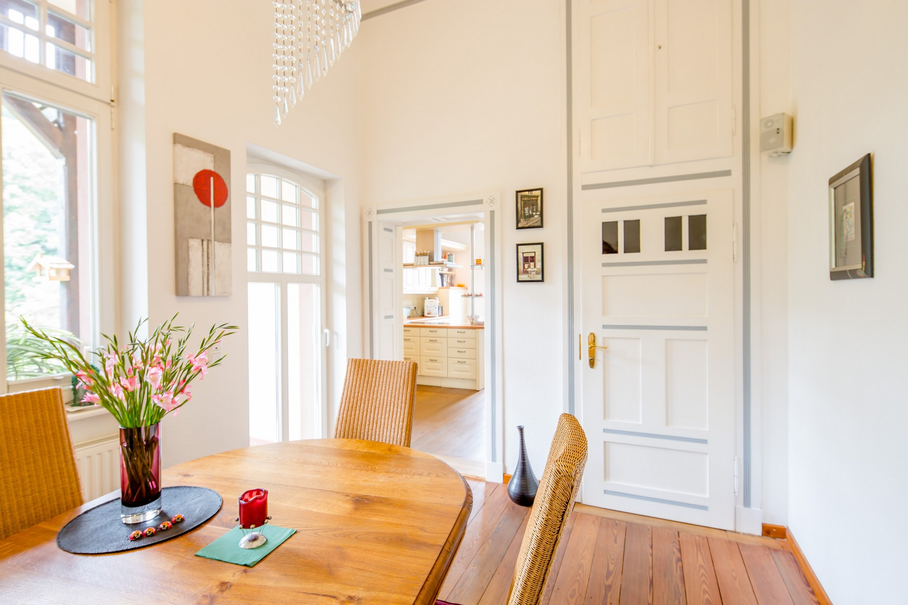 sales property at Schlangenbad: 1. floor unit in stately old building at the Park