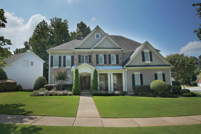 独户住宅 为 销售 在 Alpharetta Gem 330 Crown Vetch Lane Alpharetta, 乔治亚州 30005 美国