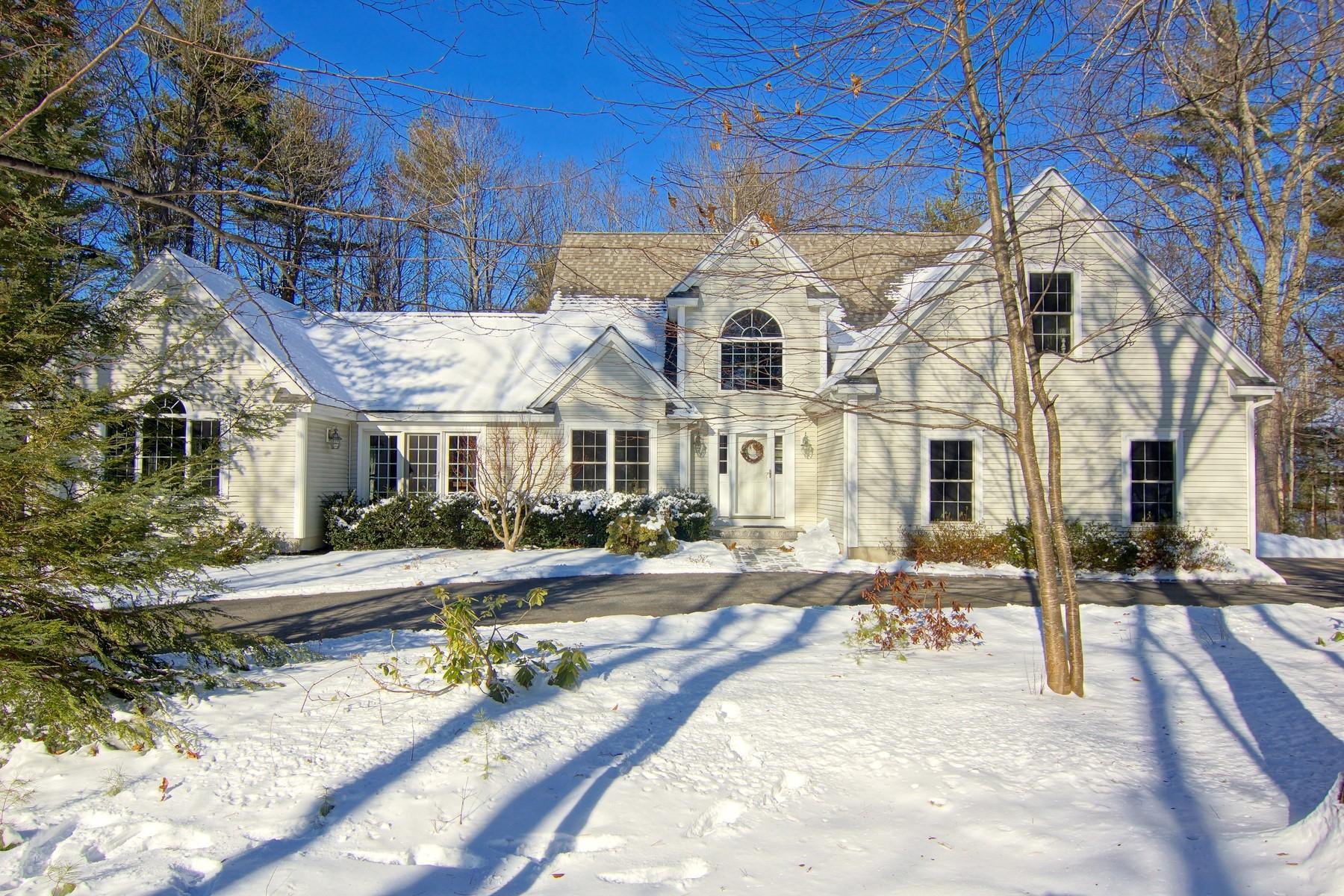 Einfamilienhaus für Verkauf beim A Good Place to Come Home To 20 Caverno Drive Lee, New Hampshire 03861 Vereinigte Staaten
