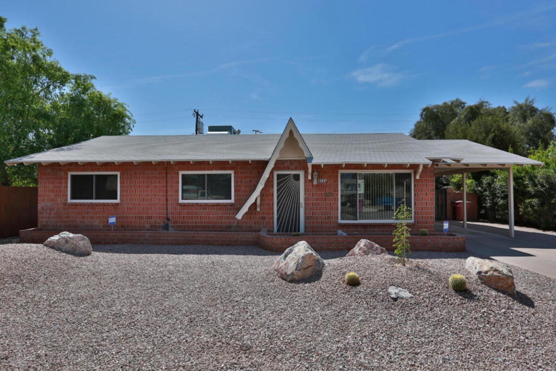 獨棟家庭住宅 為 出售 在 Fantastic home in Scottsdale Estates 8731 E Mariposa Dr Scottsdale, 亞利桑那州, 85251 美國