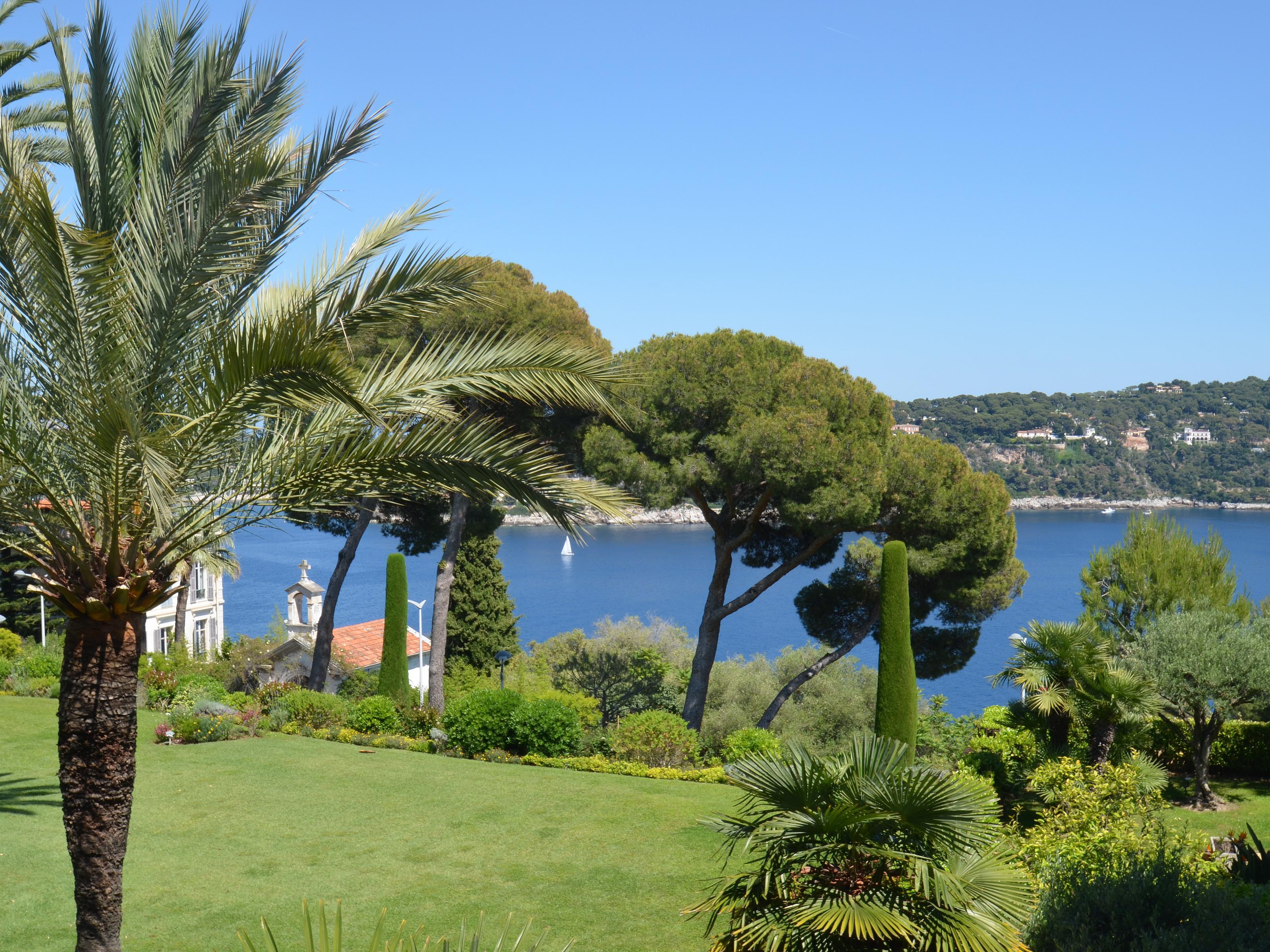 단독 가정 주택 용 매매 에 Rare opportunity! Penthouse 133 sqm with solarium and beautiful sea views Villefranche sur Mer Villefranche Sur Mer, 프로벤스 앞ㄹ프스 코테 D'Azur 06230 프랑스