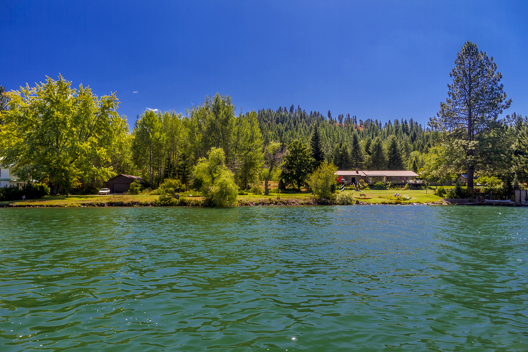 Terrain pour l Vente à Pristine Riverfront parcel Lot 2 Sailors Lane Priest River, Idaho, 83856 États-Unis