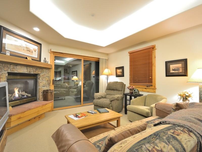 Eigentumswohnung für Verkauf beim Canyon Creek Condo 2780 Eagleridge Drive B 105 Steamboat Springs, Colorado 80487 Vereinigte Staaten