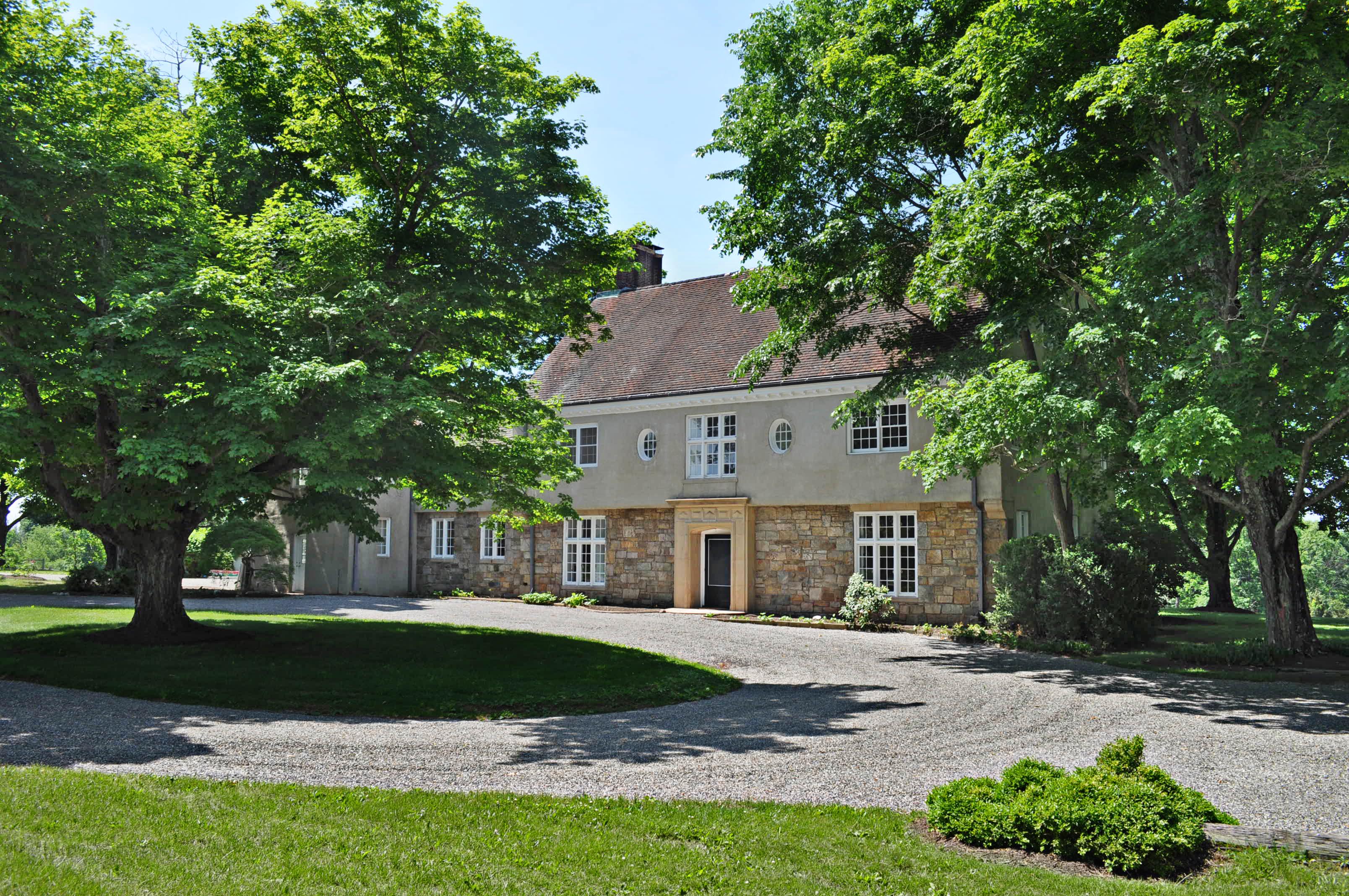 Villa per Vendita alle ore Oldacre 440 Holland Road Bedminster, New Jersey 07921 Stati Uniti