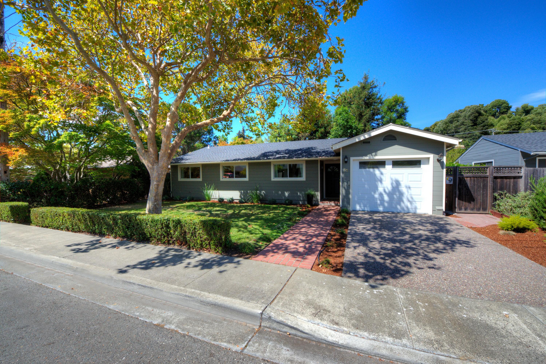 Nhà ở một gia đình vì Bán tại 75 Pamela Court Tiburon, California 94920 Hoa Kỳ