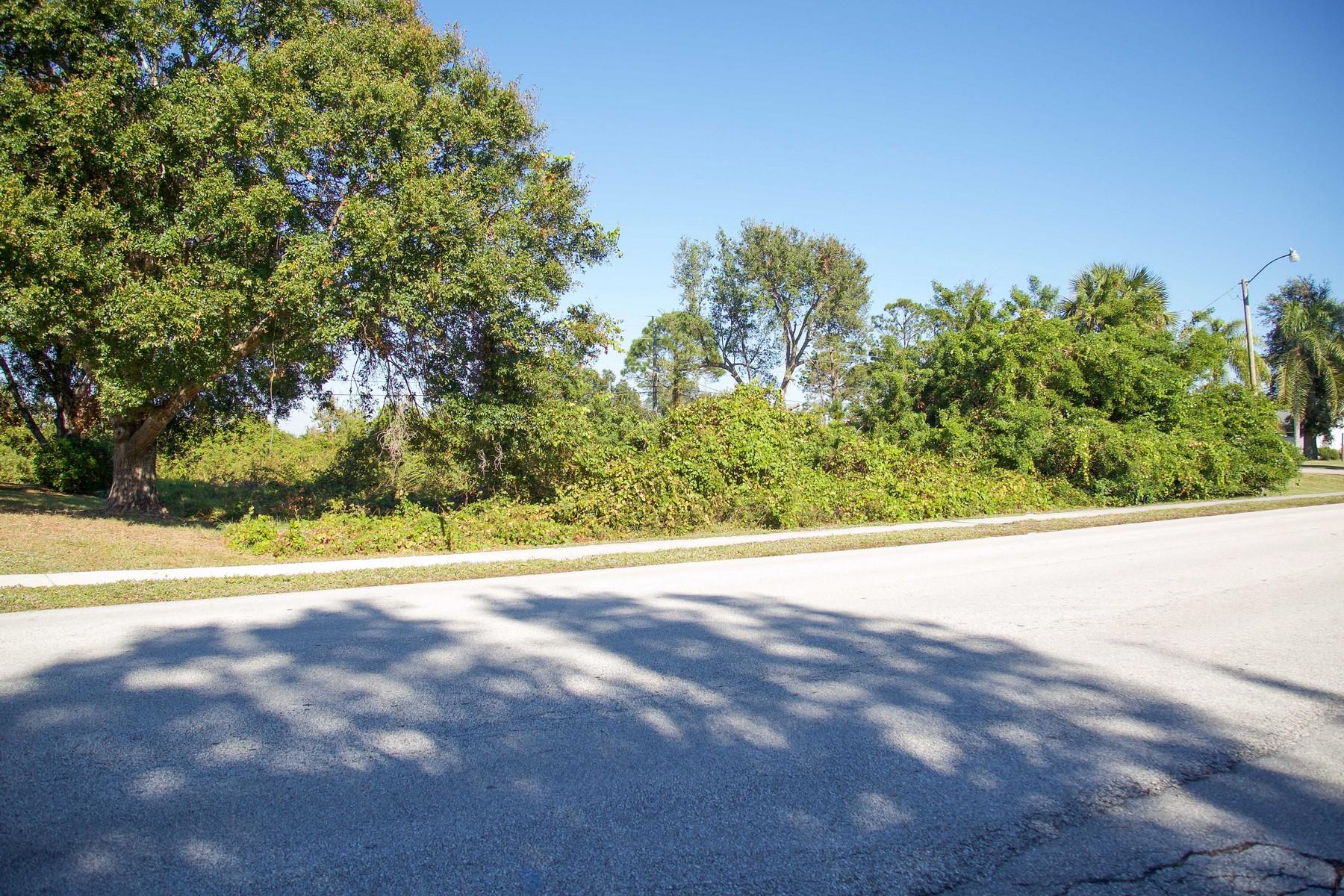 Terreno por un Venta en This is Where Your Dream Home Gets Built 214 Main Street Sebastian, Florida, 32958 Estados Unidos