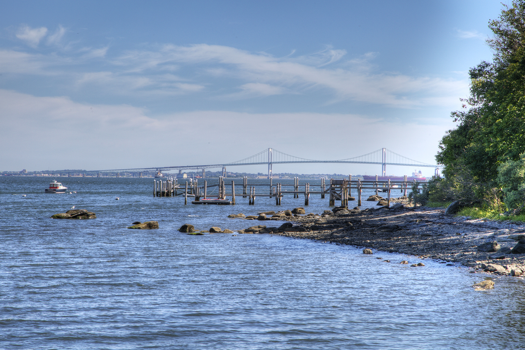 Additional photo for property listing at East Shore Waterfront 800 East Shore Road Jamestown, Rhode Island 02835 Estados Unidos