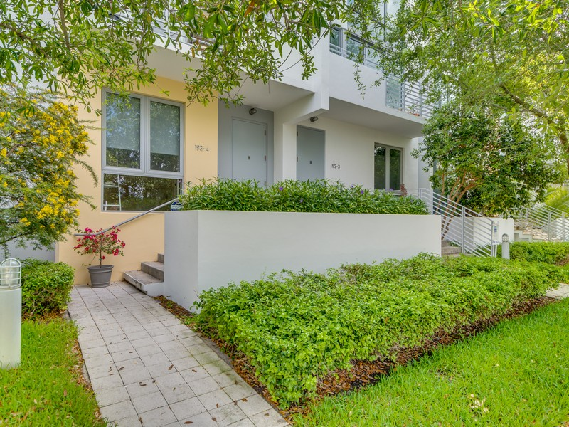 Piso por un Venta en 193 N Shore Dr Unit 193-4 Miami Beach, Florida 33141 Estados Unidos